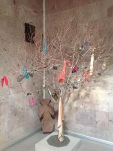"""""""Древо жизни"""". На таких деревьях армяне повязывают разноцветные ленты и загадывают желание."""