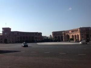 Ереван еще не проснулся после очередной бурной ночи.